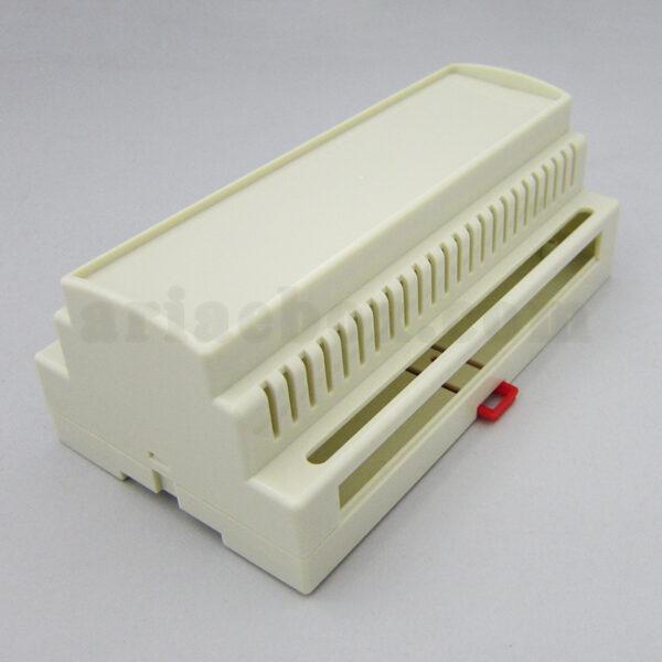 نمای سه بعدی باکس شیاردار تجهیزات الکترونیکی ریلی 23-157C