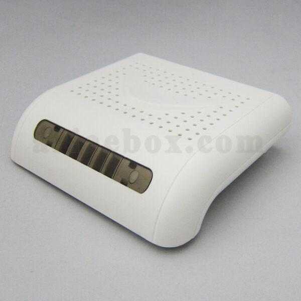 تصویر نمای سه بعدی باکس پلاستیکی بیسیم تجهیزات شبکه ABN104-A1