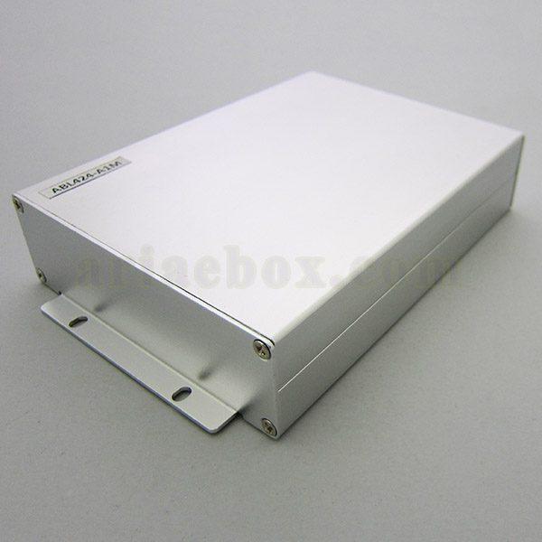 نمای سه بعدی جعبه دیواری آلومینیومی مخابراتی-الکترونیکی ABL424-A1M