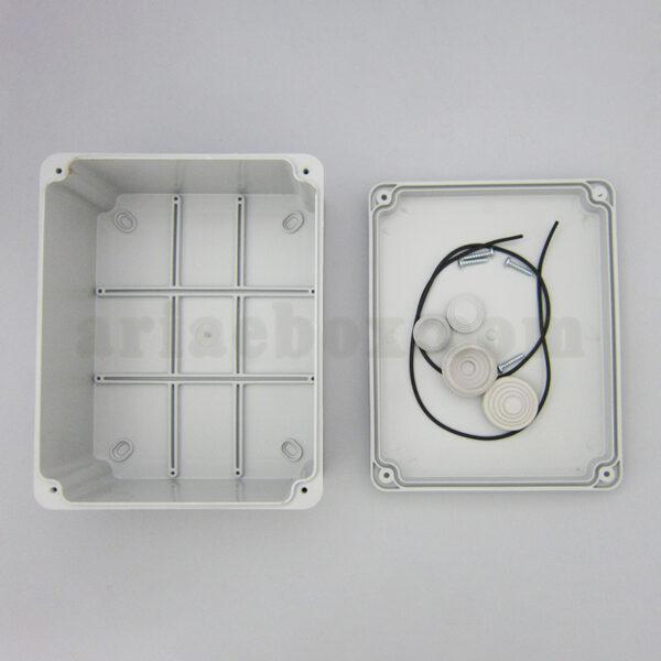 تصویر داخل جعبه تقسیم ضد آب 10 سواخ AGT 19-15
