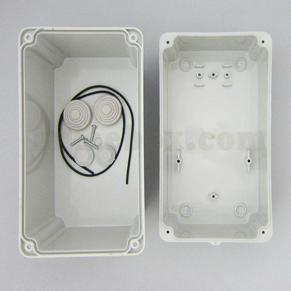 نمای داخلی جعبه تقسیم ضدآب گلندخور AGT 21-12/H160