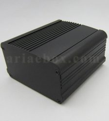نمای سه بعدی جعبه رومیزی آلومینیومی تقویت کننده abl413-a2/l100